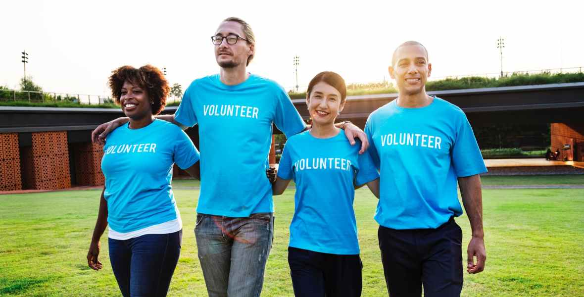 walking volunteers